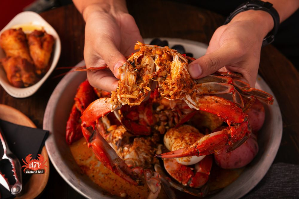 145F Seafood Boil: 2440 E Hwy 50, Clermont, FL
