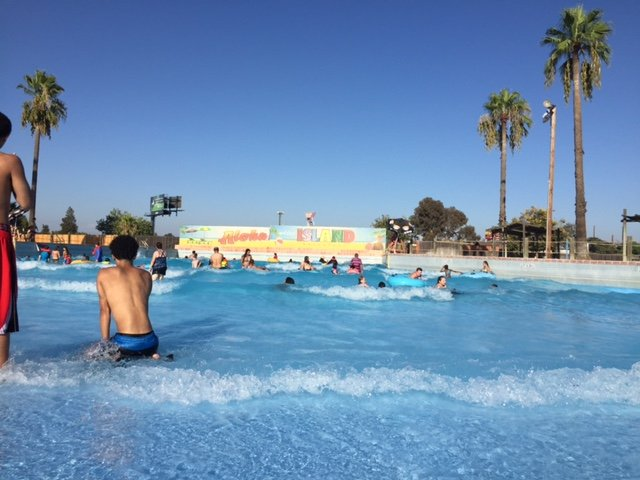 Island Water Park Wave Pool