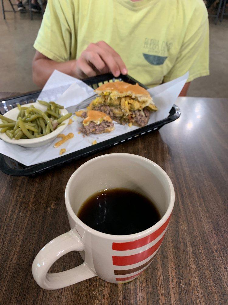 Daisy's Diner: 3687 Hwy 19, Riverside, TX