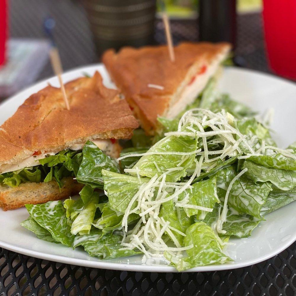 Makawao Garden Cafe: 3669 Baldwin Ave, Makawao, HI