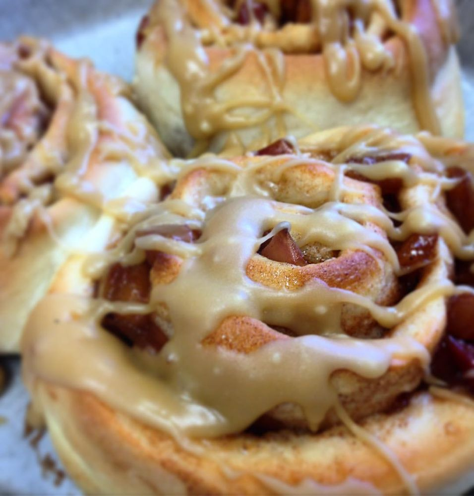 Sweetie Pie's Baked Goods and Coffee Shop: 129 North Detroit St, West Liberty, OH