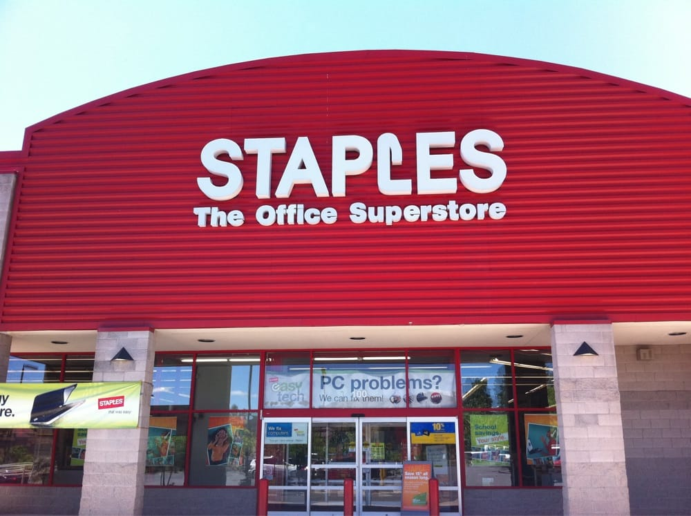 staples office superstore industry Staples, headquartered outside boston, mass, invented the office superstore concept and is the largest operator of office superstores in the world today the company has more than 32,000 employees serving business customers through more than 868 office superstores, mail order catalogs, and a contract business.