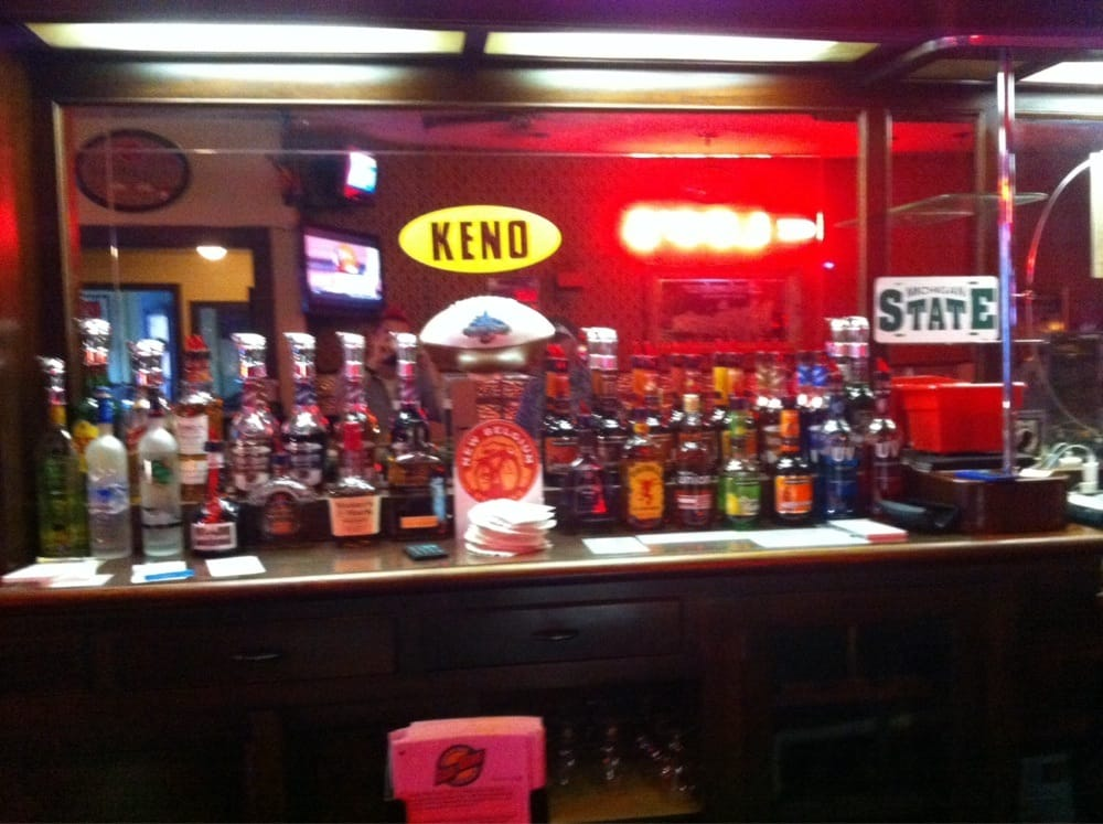 Leo's Neighborhood Tavern: 434 E Mitchell St, Petoskey, MI