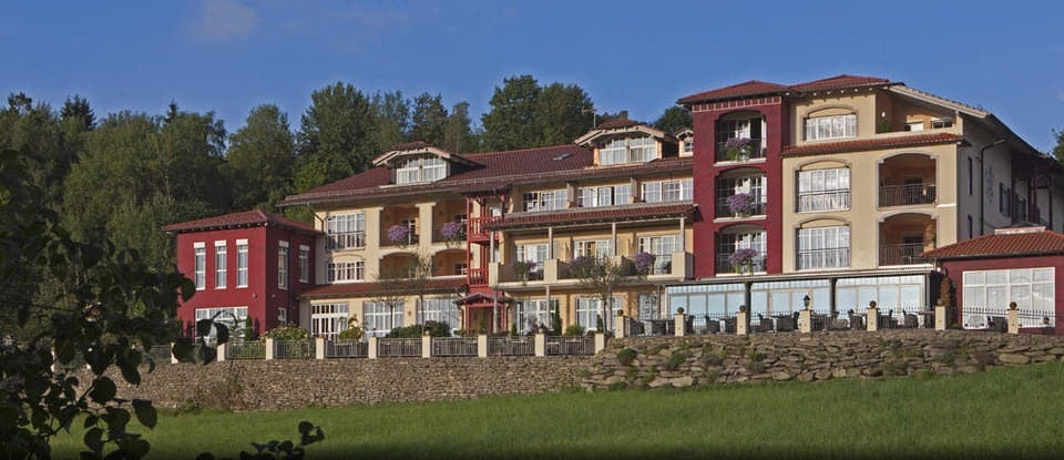 burghotel neunu berg hotel neunu berg 35 viechtach. Black Bedroom Furniture Sets. Home Design Ideas