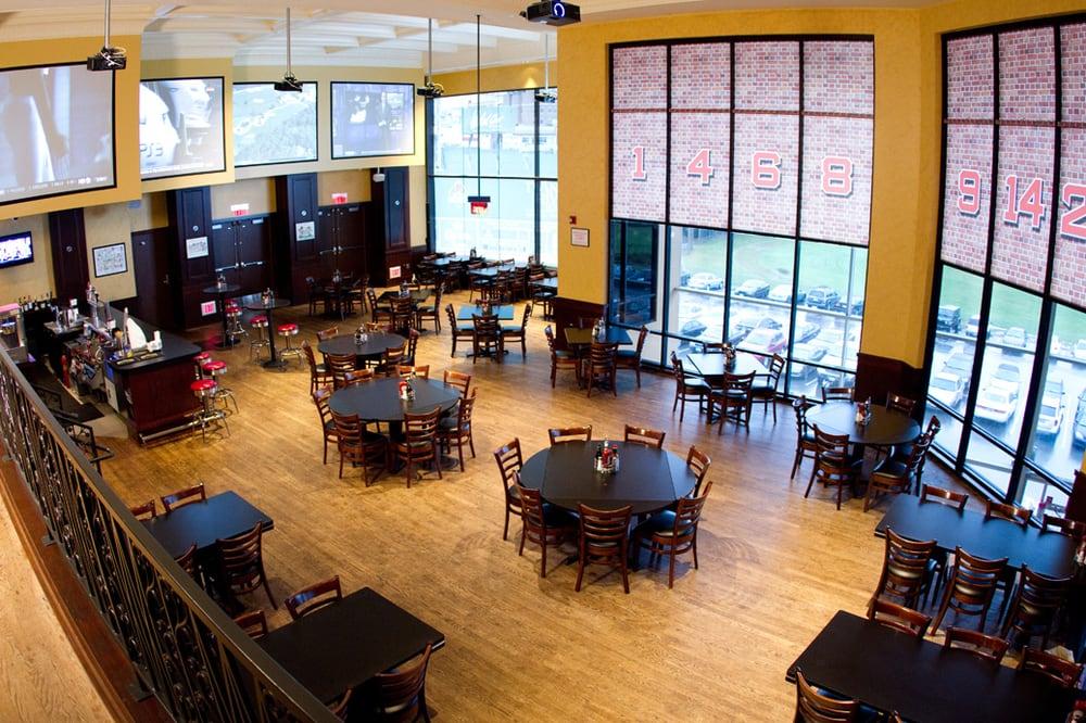 Restaurants Near Twin River Casino
