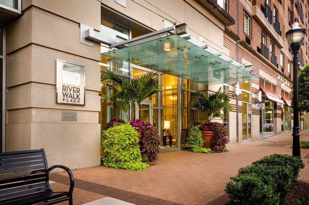 Riverwalk Apartments Reviews