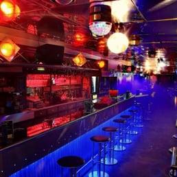 L happy caf gay bars 193 rue jean jaur s brest for Interieur queer