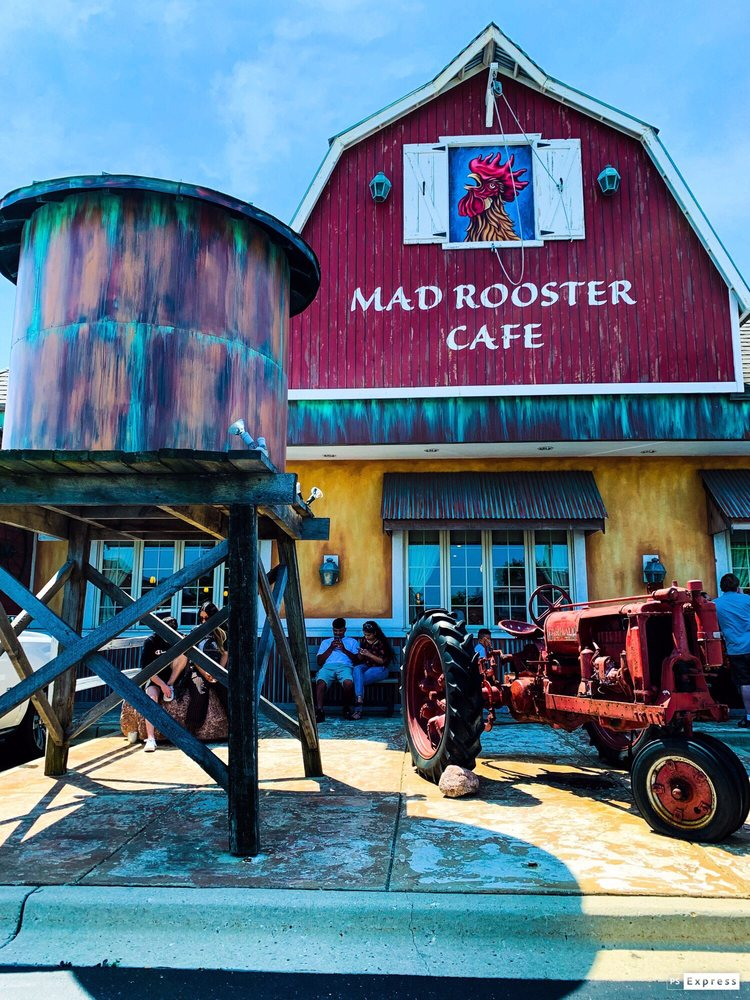 Mad Rooster Cafe: 4401 W Greenfield Ave, West Milwaukee, WI