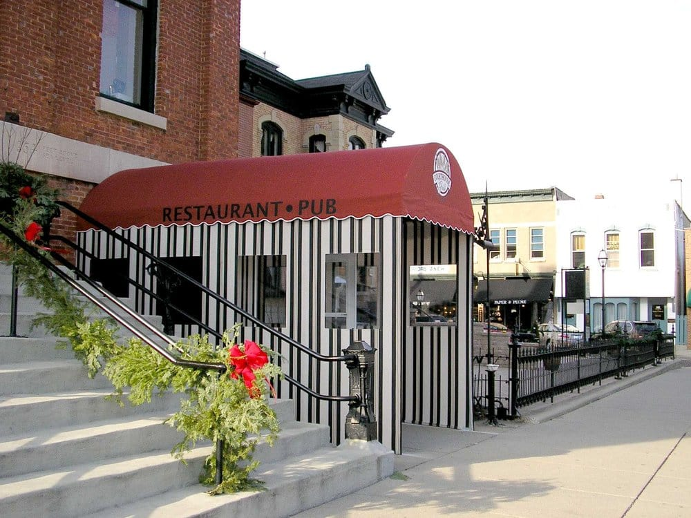 Woodstock (IL) United States  city images : ... Woodstock, IL, United States Restaurant Reviews Phone Number