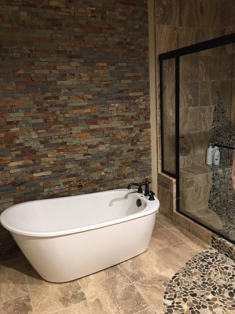 Inn the Woods Suites: 44621 Silver Spur Trl, Ahwahnee, CA