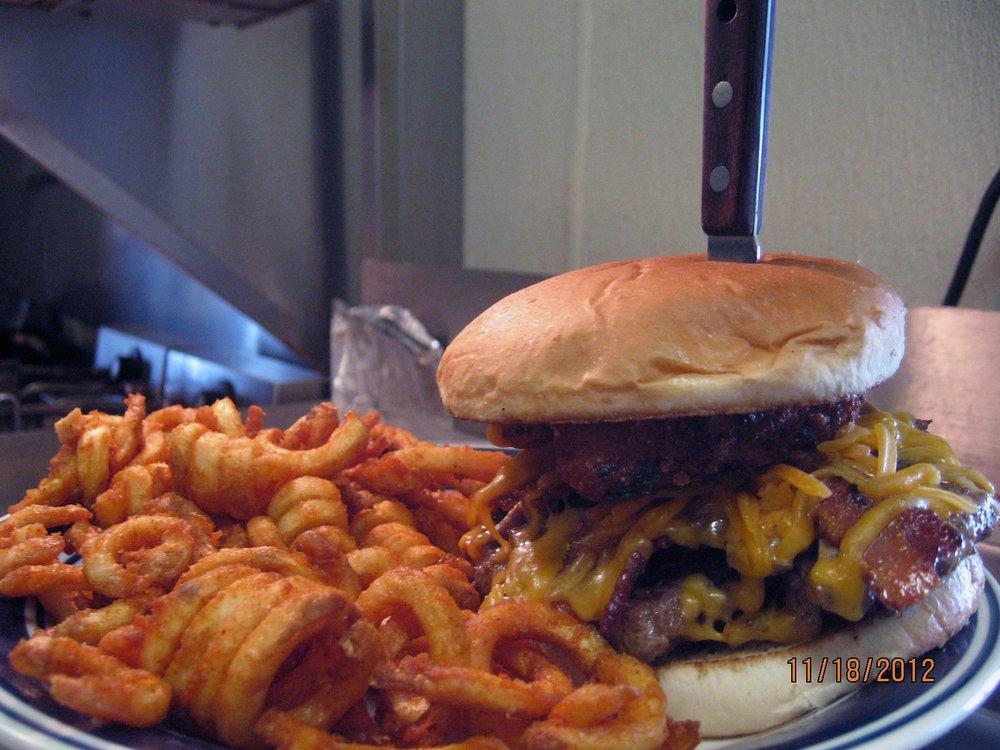 Dinkys Diner: 3577 US Hwy 160, Reeds Spring, MO