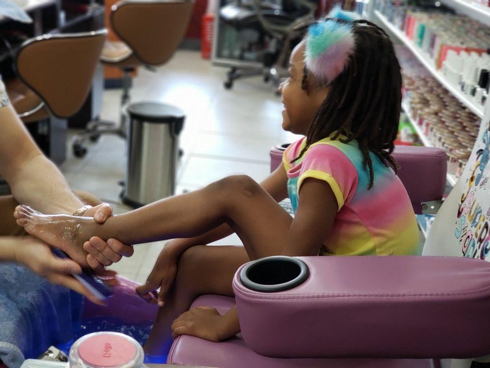 Lovely Nail: 7929 Abercorn St, Savannah, GA