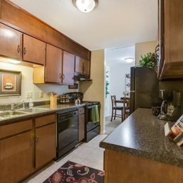 Aspen Village - 25 Photos - Apartments - 2201 48th St E ...