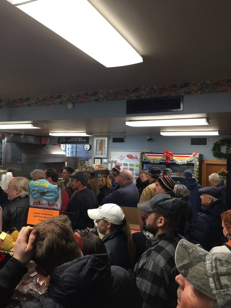 Popular place at christmas time i 39 m thinking yes yelp for Hagen s fish market