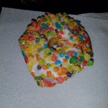 Daily Donuts - 107 Photos & 96 Reviews - Donuts - 1067 S