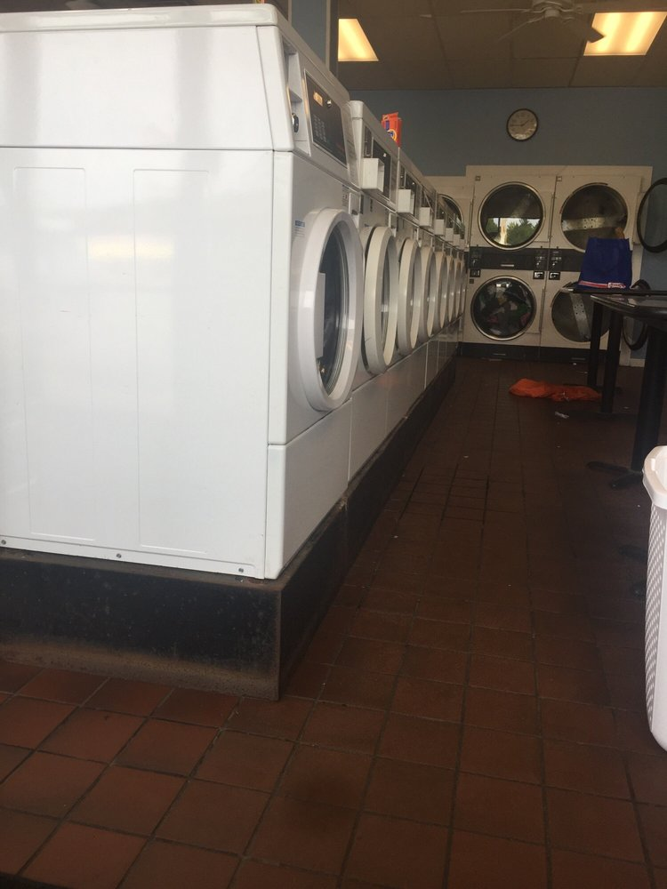 Horrigan Premium Laundromat: 9 Pearson Blvd, Gardner, MA