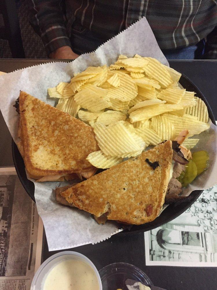 Nite Owl Cafe: 11 S Main St, L'Anse, MI
