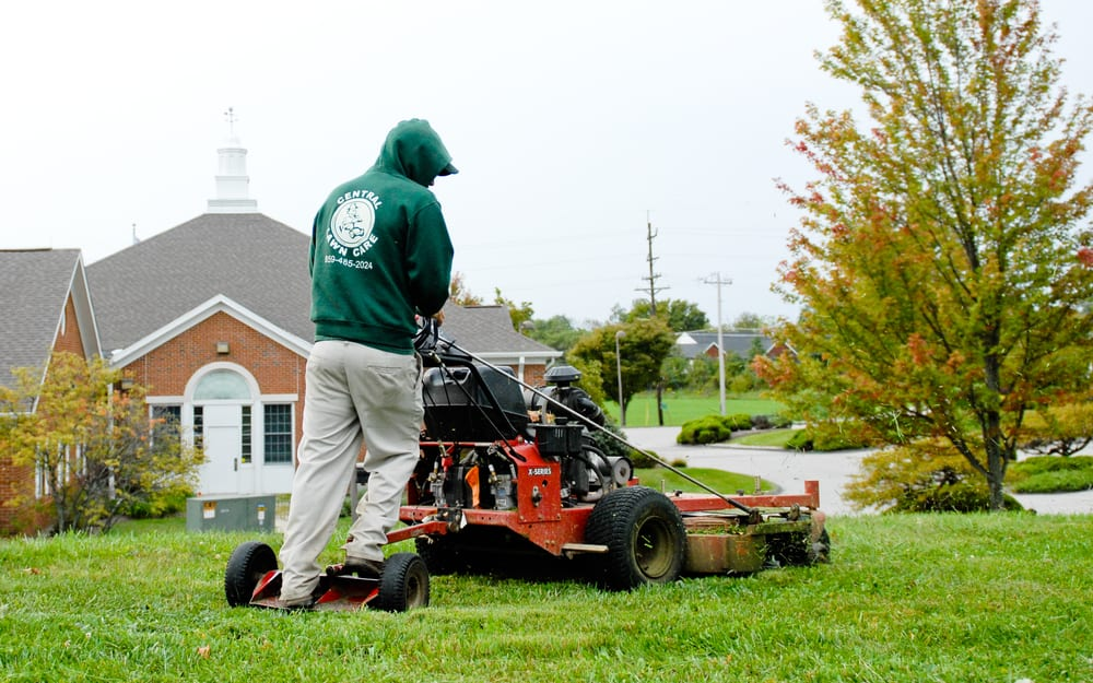 Central Lawn Care: 51 Cummings Dr, Walton, KY