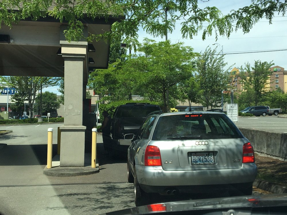 Wells Fargo Bank: 2628 196th St SW, Lynnwood, WA