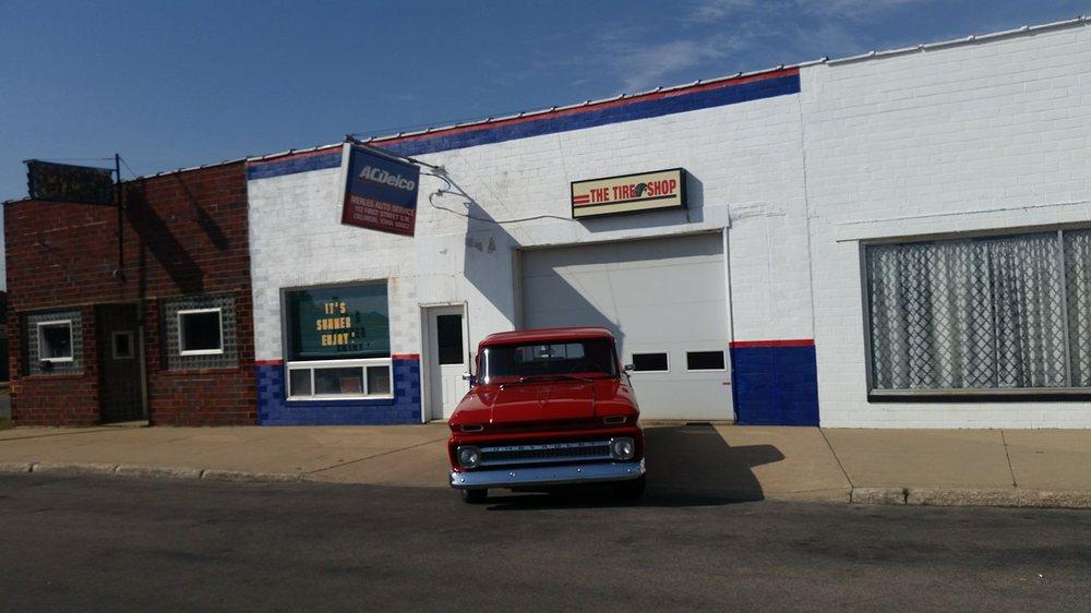 Merle's Auto Service: 113 1st St SW, Oelwein, IA