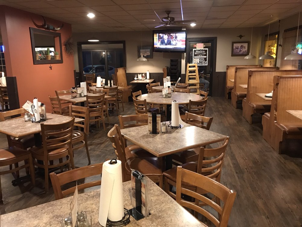 Hickory River Smokehouse: 1706 N Cunningham Ave, Urbana, IL