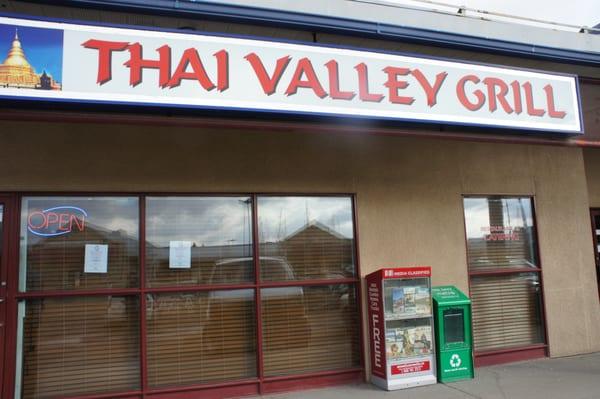 Thai Valley Grill - 24 Photos & 23 Reviews - Thai - 4211 106