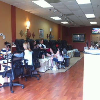 Nail tech nail salons 128 hilltown village ctr for A perfect image salon chesterfield mo