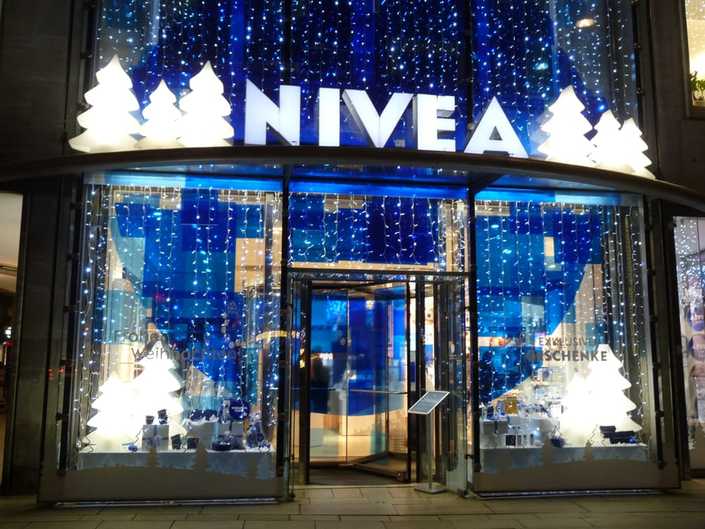 weihnachtliches nivea haus in hamburg yelp. Black Bedroom Furniture Sets. Home Design Ideas