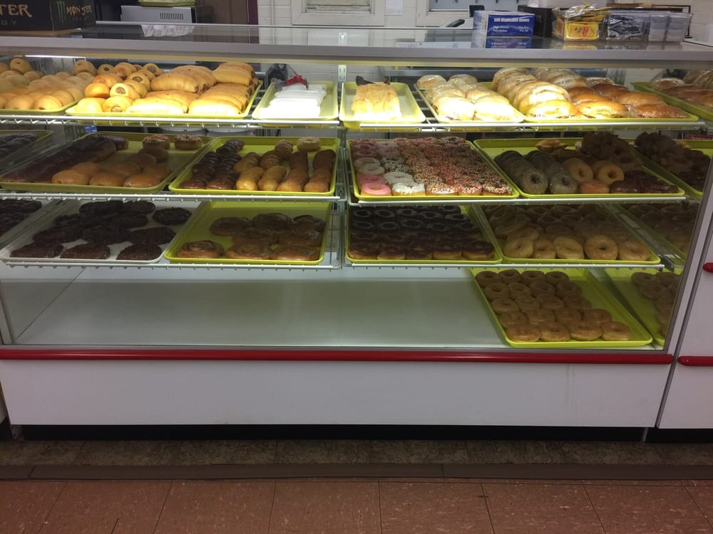 Super Donut: 701 N Saint Mary St, Carthage, TX