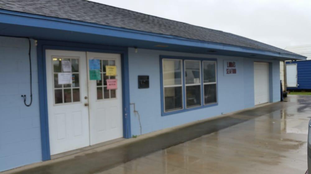 Linda's Seafood: 5120 N Fm 565 Rd, Baytown, TX