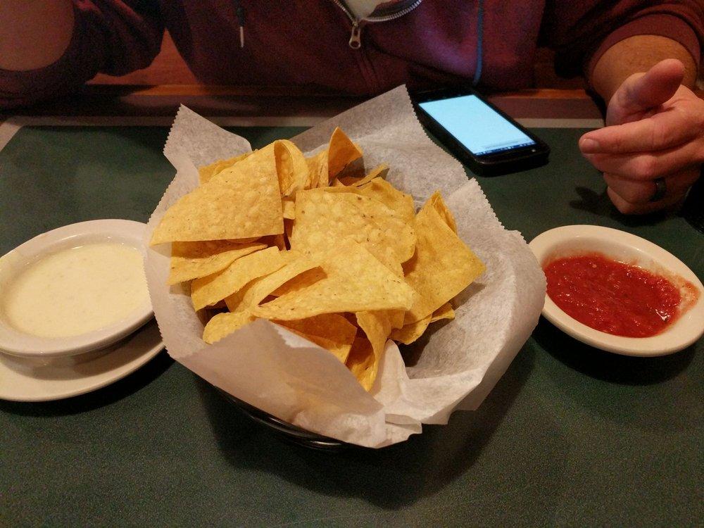 Sol Mexican Restaurant: 424 N Main St, Carrollton, IL