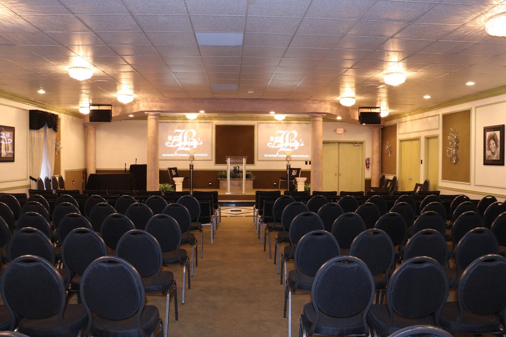 Baucom's Life Celebration & Cremation Services: 9480 Lewis And Clark Blvd, St. Louis, MO