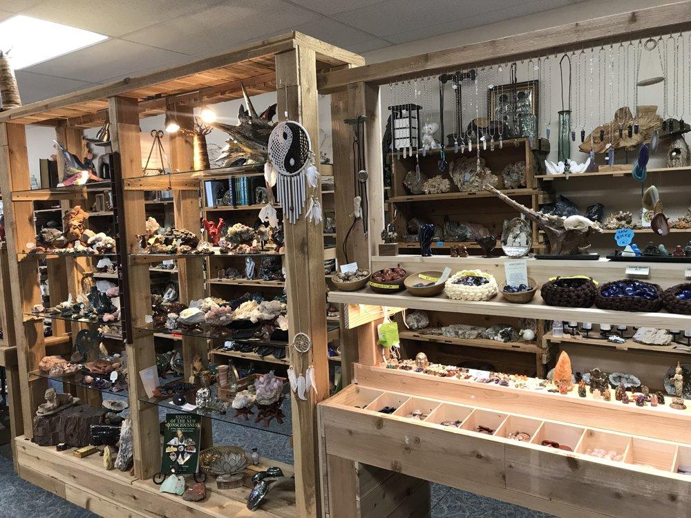 Prospectors Crystals, Rocks & Gift Shop: 1640 Gravois Rd, High Ridge, MO