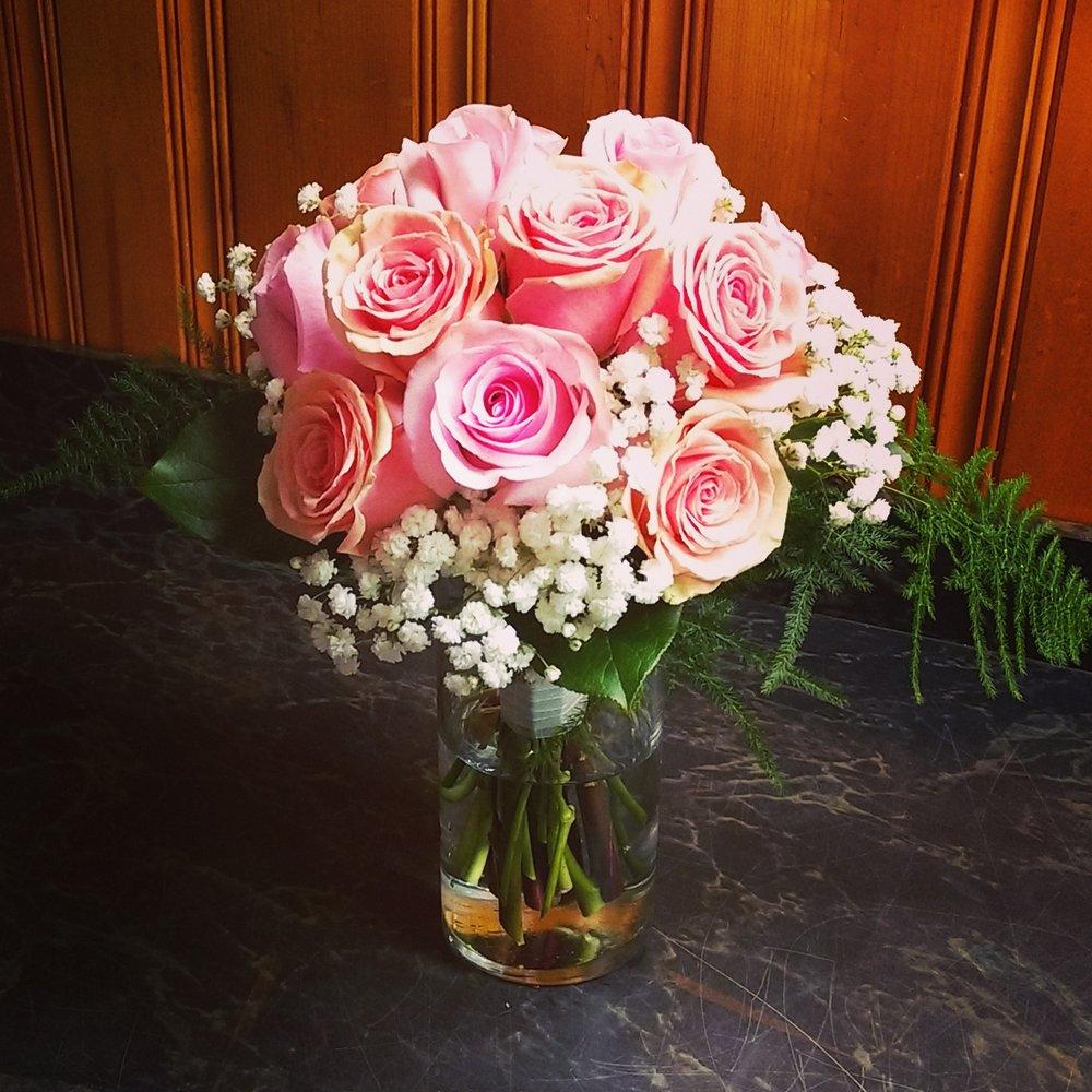 Carol's Corner Florist & Gifts: 9456 Midland Blvd, Saint Louis, MO