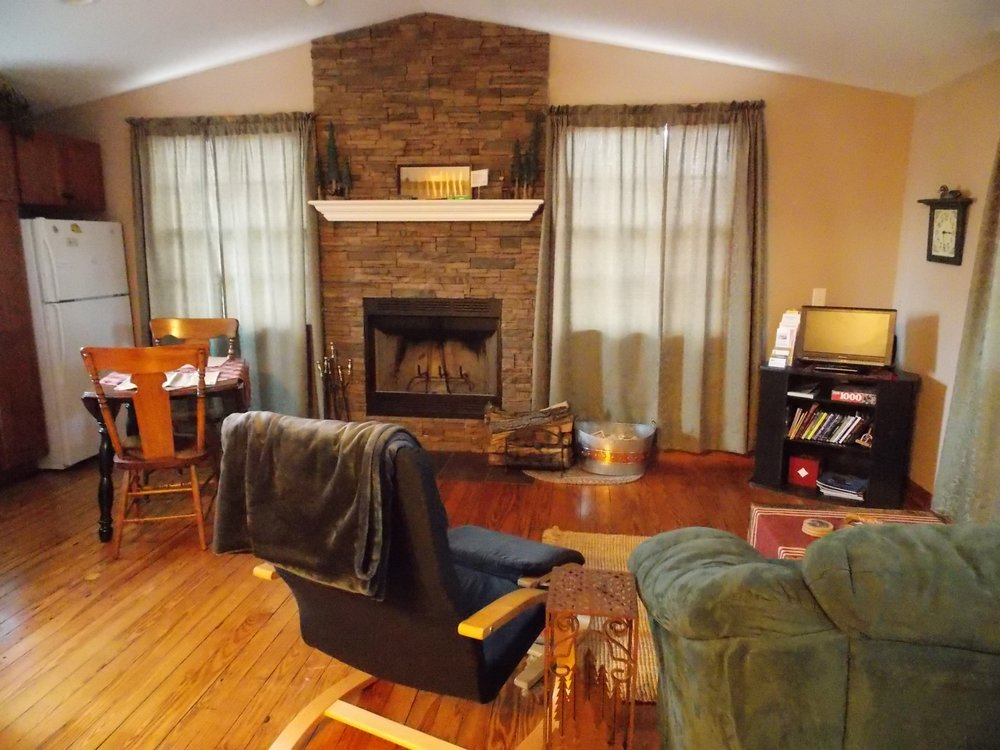 Wisconsin River Retreat: 10216 County Rd Y, Mazomanie, WI