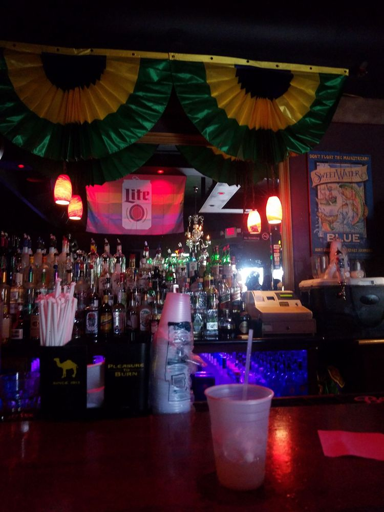 Mag's 940: 940 Elysian Fields Ave, New Orleans, LA