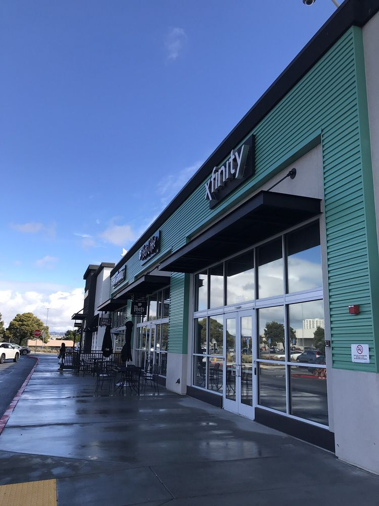 XFINITY Store by Comcast: 153 A Serramonte Ctr, Daly City, CA