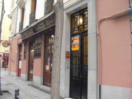 Aria closed persian iranian calle de blasco de garay for Aria persian cuisine