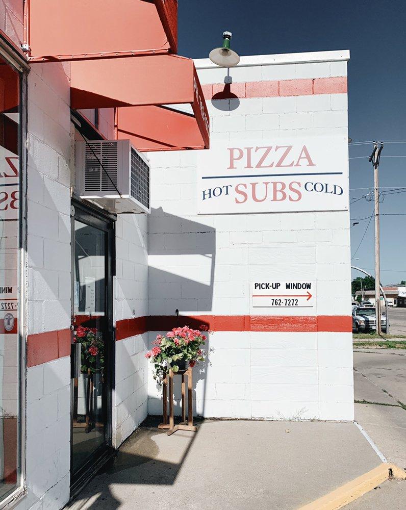 Papa's Pizza & Subs: 404 E 3rd St, Alliance, NE