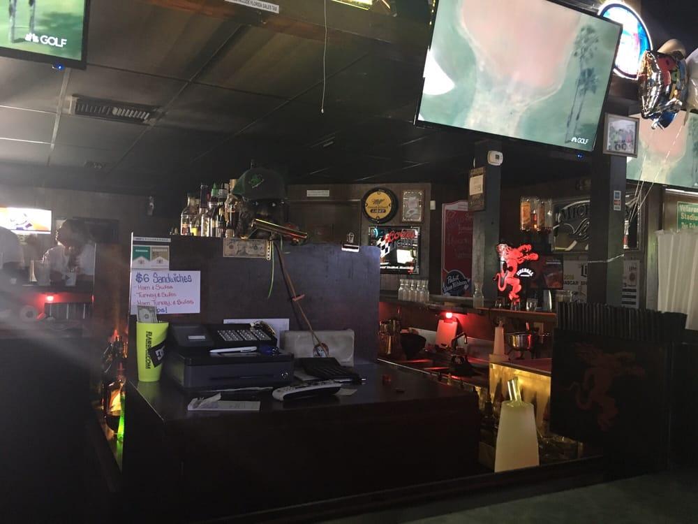 Frog Lounge: 1325 N Federal Hwy, Delray Beach, FL