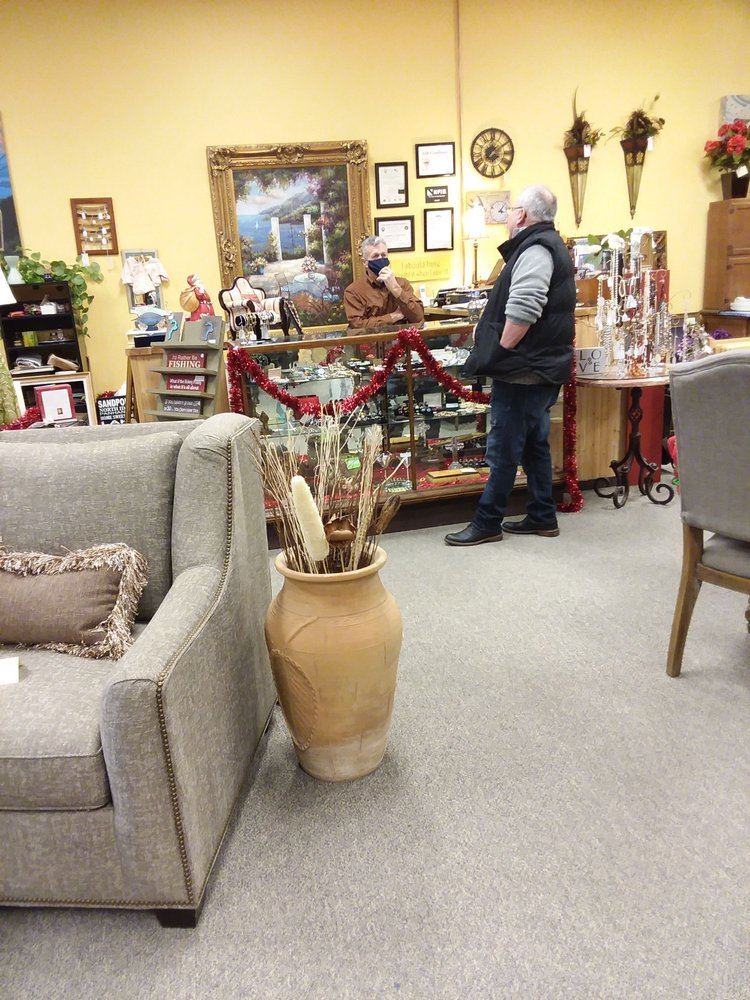 Home Sweet Home Consignment: 205 Cedar St, Sandpoint, ID