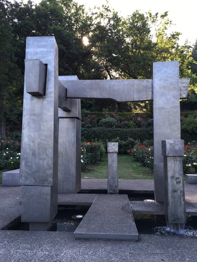 Water Sculpture: 400 SW Kingston Ave, Portland, OR