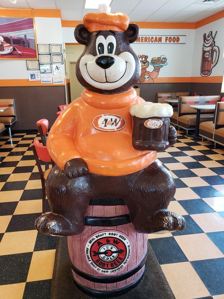 A&W Restaurant: 7320 Highway 2E, Columbia Falls, MT