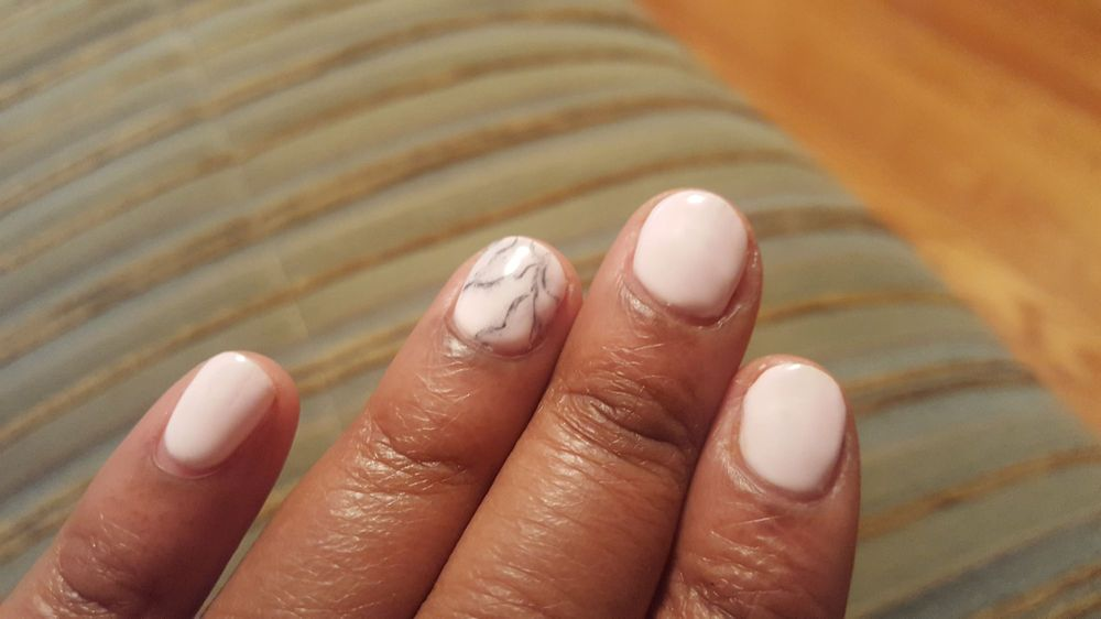 Unique Nails and Toes: 3815 Church Rd, Mount Laurel, NJ