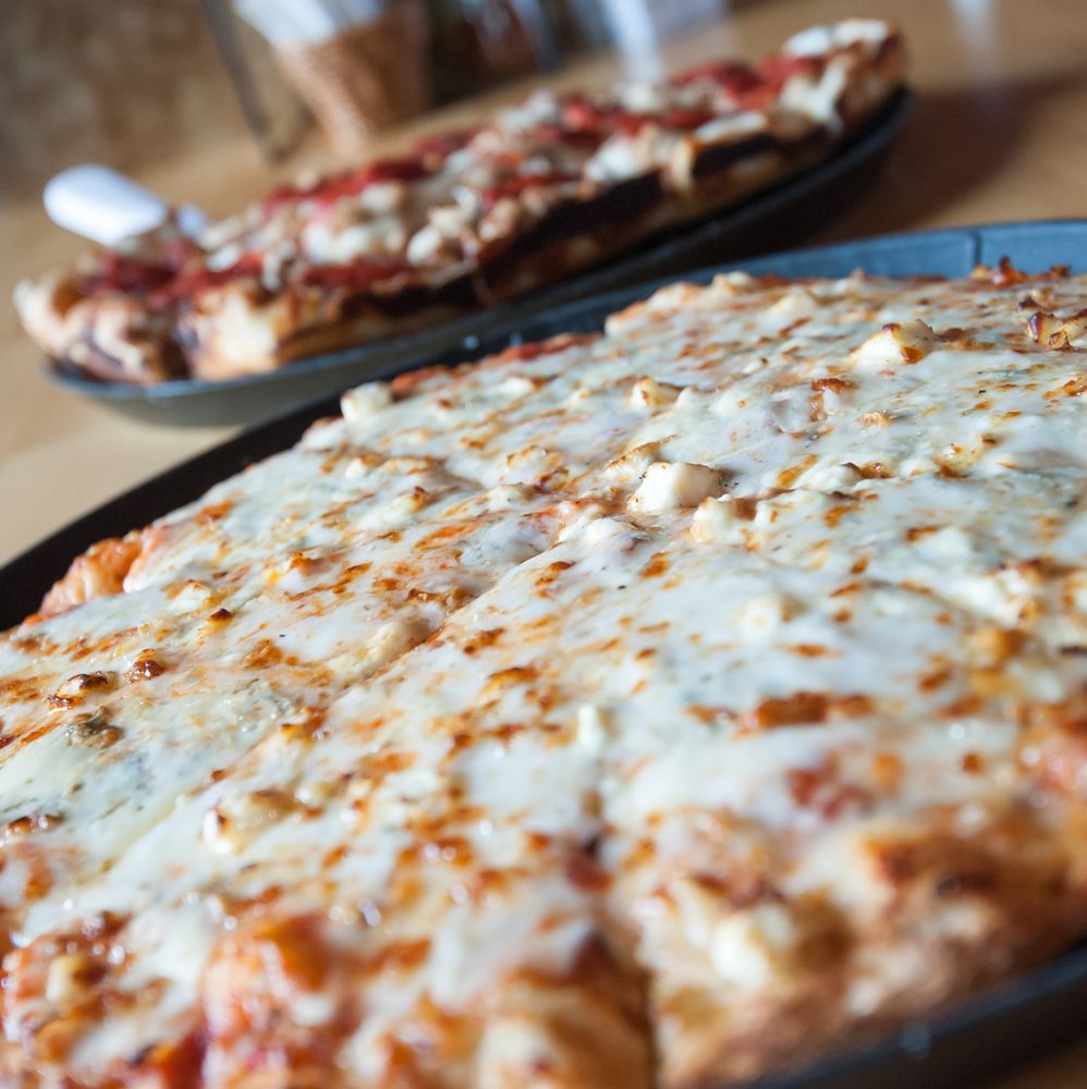 Noble Roman's Craft Pizza & Pub: 2826 S State Road 135, Greenwood, IN