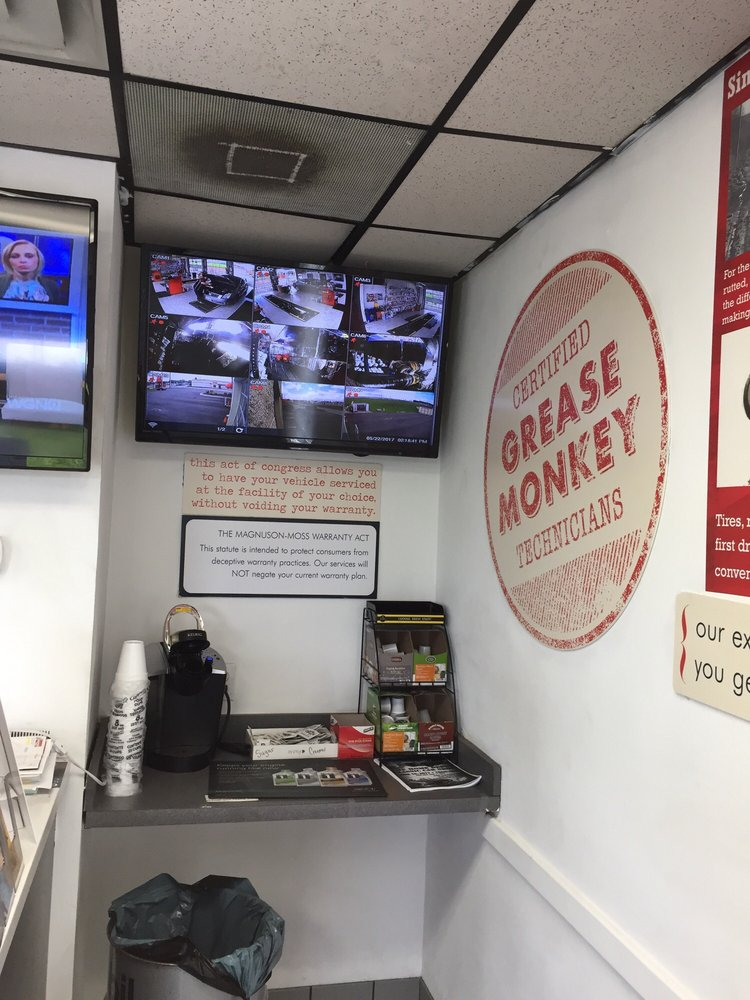 Grease Monkey Oil Change Stations 778 E Rollins Rd Round Lake Beach Il Phone Number Yelp