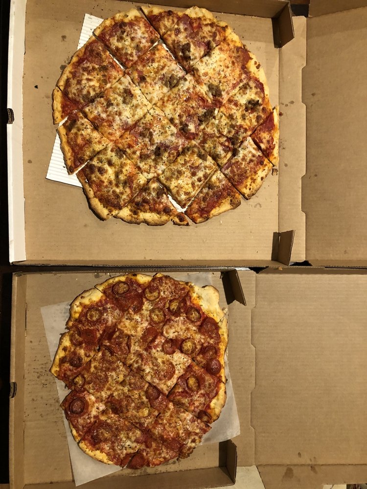 Mamma Celeste's Gastropub & Pizzeria: 360 Los Altos Parkway, Sparks, NV