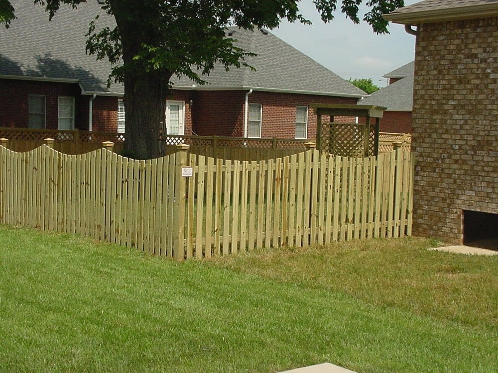 Wood Picket Fence W Scallop Top And Decorative Post Caps