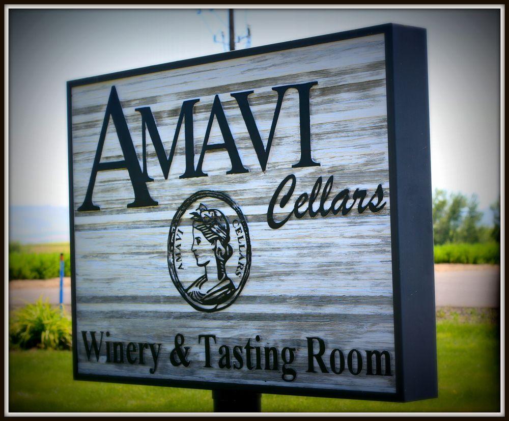Social Spots from Amavi Cellars