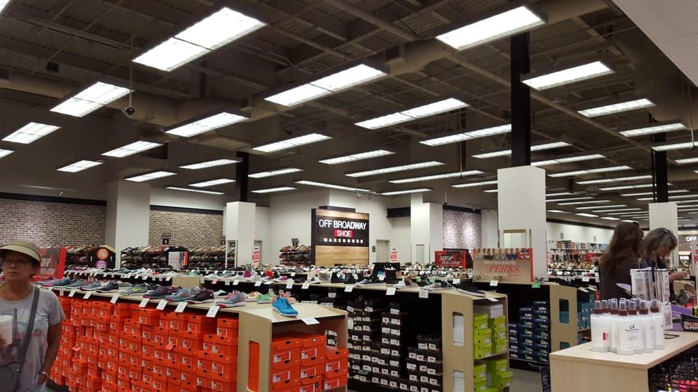 off broadway shoes 20 photos 12 reviews shoe stores 112 plaza dr west covina ca. Black Bedroom Furniture Sets. Home Design Ideas